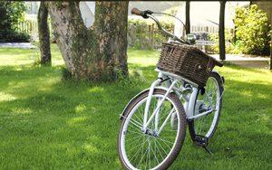 Regelmäßiges Radfahren trägt dazu bei, den Blutdruck zu senken.