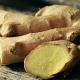 Das Bild zeigt eine Wunderknolle Ingwer, die häufig als Gewürz oder Heilpflanze gegen Bluthochdruck eingesetzt wird.